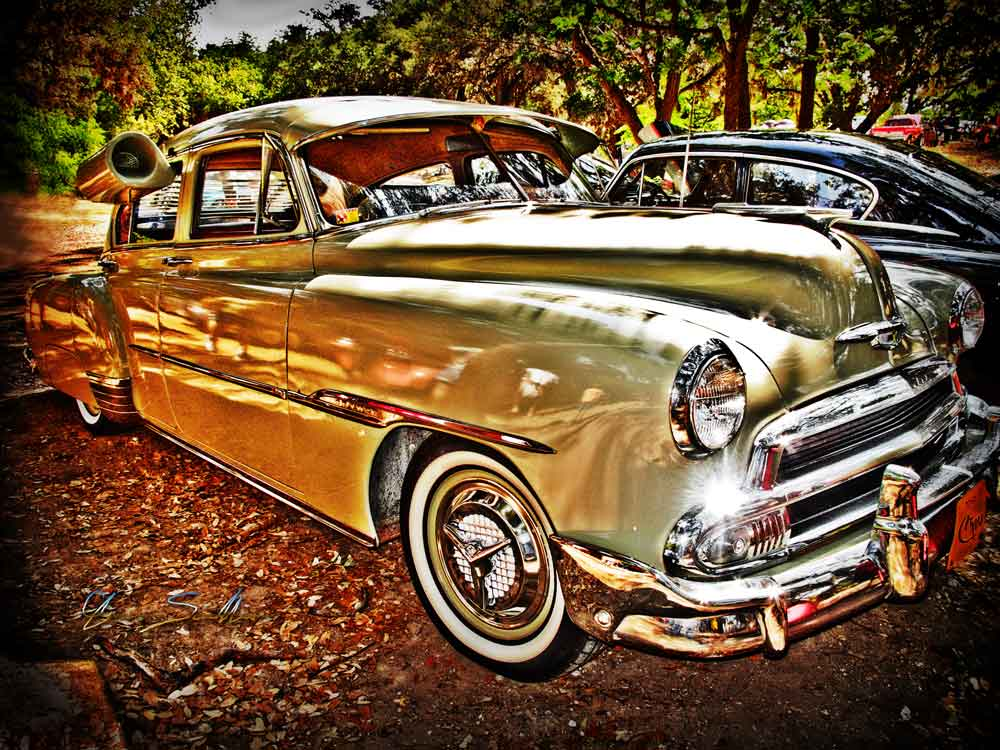 1952 Chevrolet Introduces the Champagne Chevy