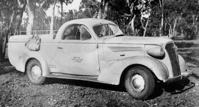 37 Holden Coupe Utility photo courtesy maps.bonzie.com - thanks for the credited use of the pix!